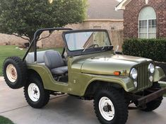 Vintage Jeep, Vintage Cars, Antique Cars, Green Jeep, Jeep Willys, Jeepers Creepers, Jeep Life, 4x4, Classic Cars