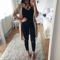 casual jean outfits for summer Fall Winter Outfits, Spring Outfits, Autumn Winter Fashion, Outfit Jeans, Black Jeans Outfit Night, Black Lace Top Outfit, Black Romper, Look Fashion, Teen Fashion