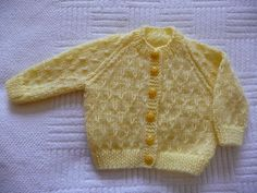 Lemon baby cardigan with very easy pattern Easy Baby Knitting Patterns, Baby Cardigan Knitting Pattern Free, Baby Sweater Patterns, Knitted Baby Cardigan, Knit Baby Sweaters, Knitted Baby Clothes, Baby Hats Knitting, Baby Patterns, Baby Afghan Crochet