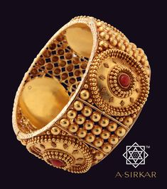 b sirkar jewellers collection Pendant Jewelry, Gold Jewelry, Jewelery, Jewelry Bracelets, Indian Wedding Jewelry, Indian Jewelry, Bridal Jewelry, Gold Bangles Design, Jewelry Design