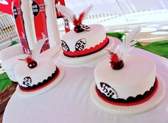 Swazi traditional cake by Best Picture For traditional wedding cakes with fountain For Your Taste You are looking for something, and it is going to tell you exactly what you are looking African Wedding Cakes, African Print Wedding Dress, African Wedding Attire, African Attire, African Traditional Wedding Dress, Traditional Wedding Decor, Traditional Cakes, Beaded Wedding Cake, African Cake