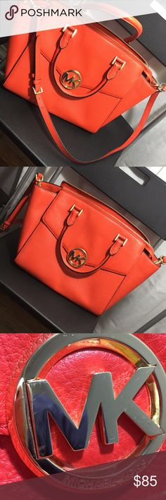 1 HOUR FLASH SALE⚠️🎉MICHAEL KORS 👜 Hi!Im selling this beautiful handbag that comes with shoulder strap. ! I used this bag 3 times only! Pictures showed all the details. Measurements: Height: 11 inches. In picture 4 you can see that has a little peeling and the Michael kors big letters they are a little scratch in picture3! But you can see all of that in the pictures! In the last picture the stud button have a little scratch. One little stain that you can see in the pic from a pen Length…