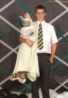 Prom Date-Curiosities: Awkward Family Photos
