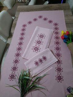 Diy Projects Crafts – All in Ideas Cross Stitch Designs, Cross Stitch Patterns, Crochet Patterns, Crochet Frog, Free Crochet, Bernat Softee Chunky Yarn, Prayer Rug, Bargello, Handmade Wedding
