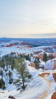 Utah national park winter hiking trails - utah winter things to do. us national park vacation ideas winter. Santorini, Pumpkin Recipes, Fall Recipes, December Pictures, Winter Hiking, Winter Travel, Winter Photos, Winter Landscape, Outdoor Travel