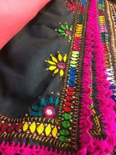 Kutchi work Hand Embroidery Dress, Tambour Embroidery, Embroidery On Clothes, Embroidery Works, Indian Embroidery, Hand Embroidery Stitches, Embroidery Fashion, Embroidery Applique, Embroidery Patterns