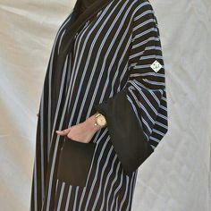 Abaya Fashion, Modest Fashion, Modern Abaya, Black Abaya, Arabic Dress, Hijab Fashion Inspiration, Abaya Designs, Ethnic Outfits, Islamic Fashion
