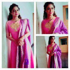 Salwar suit with benaras heavy dupatta Indian Gowns, Indian Attire, Indian Wear, Indian Outfits, Salwar Designs, Blouse Designs, Dress Designs, Anarkali Dress, Lehenga