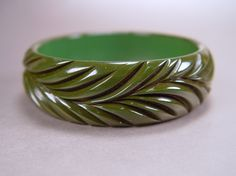 Green Bakelite Fern Bangle Bracelet Deeply Carved Wide Vintage 1940s Jewelry – $185 – Sold Out