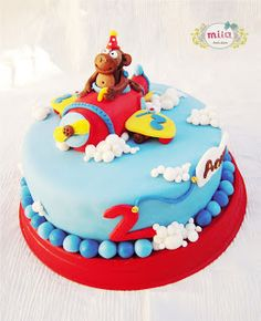 air plane sugar cake with monkey