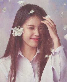 Korean Celebrities, Celebs, Iu Hair, Girl Life Hacks, Poses For Photos, Iu Fashion, Digital Art Girl, Korean Actresses, Girls World