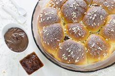 Danubio Dolce - il pan brioche tipico di Napoli morbido,soffice, invitante, da farcire a piacere con confettura e crema di nocciole per una colazione super!