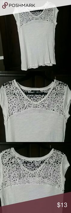 Pretty Top Cute top with a lace on top. Only worn one time. In excellent condition! Cable & Gauge Tops