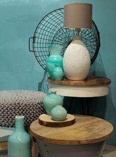Lekker zomers! Breng het zon, zee en strand - gevoel in je interieur met blauwe en zeegroen. In combinatie met zandtinten en fris wit, maak je het plaatje helemaal compleet. www.dok2.nl