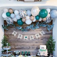 A woodsy winter woodland party isn't complete without fresh pine trees, pine cones, and bubbly balloons! Complete any woodland party with a balloon garland kit! winter woodland party ideas and decor baby shower DIY Balloon Garland Kit Deco Baby Shower, Baby Shower Backdrop, Shower Party, Baby Shower Parties, Baby Shower Garland, Baby Shower Wall Decor, Baby Party, Classy Baby Shower, Baby Shower Favours For Guests