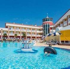 Hotel Olympus - dovolená u moře, Itálie. Hotel 4* s bazénem, plážový servis v ceně, vhodné i pro rodiny s dětmi. Pobyt s polopenzí, švédské stoly, výborná kuchyně. Mansions, House Styles, Home, Manor Houses, Villas, Ad Home, Mansion, Homes, Palaces