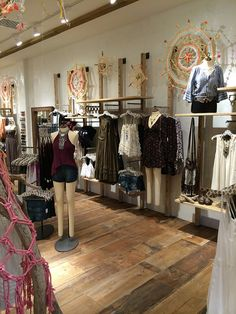 Articles | Free People Brings Bohemian Styles To Short Pump Town Center | RVA Magazine | Richmond, VA