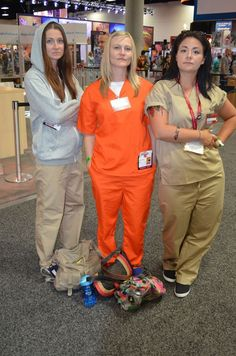 Cheap Halloween costume ideas! This group Orange Is The New Black costume idea is perfect!