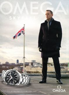 Daniel Craig plays James Bond in Skyfall movie. Watch is Omega Seamaster Planet Ocean Omega James Bond, James Bond Watch, James Bond Skyfall, Daniel Craig James Bond, Omega Bond, Dream Watches, Cool Watches, Watches For Men, Men's Watches