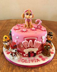 Paw Patrol Skye cake for sofia Paw Patrol Torte, Skye Paw Patrol Cake, Paw Patrol Cake Toppers, Paw Patrol Birthday Girl, Girl Birthday, Pastel Paw Patrol, Cake Disney, 4th Birthday Cakes, Birthday Ideas