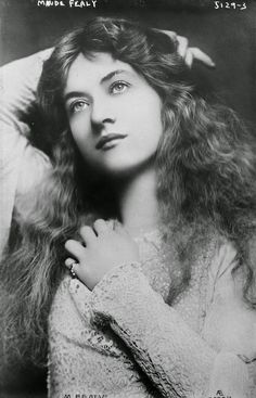 Beautiful Actresses From 1900 to 1930   ... everyday: 30 Beautiful Portraits of Maude Fealy from the Early 1900s