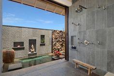 ideen-asiatisches-bad-luxuriös-raumhohe-verglasung-ausgang-garten-mit-pool