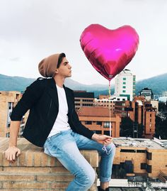 Read San Valentin from the story 🔥Imaginas Hot Con CNCO Parte by PotataDePimentel (Venus uwu) with reads. Johan Vera, Pretty Girls, Youtubers, Crushes, Winter Jackets, Celebs, Photoshoot, Boys, Instagram Posts