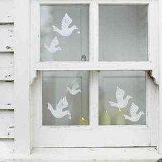décoration de fenêtre avec des stickers