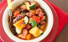Ratatouille Black Bean Vegetable Chilli, Comforting veggie chilli can be made in minutes! Supper Recipes, Side Recipes, Easy Healthy Recipes, Healthy Meals, Ratatouille, Cooking 101, Cooking Recipes, Microwave Recipes, Epicure Steamer