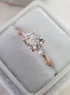 Rose Gold White Fire Opal Round Diamond Simulated 1.00Ct Traditional Engagement Ring Women/'s Round Cut Bridal Promise Ring