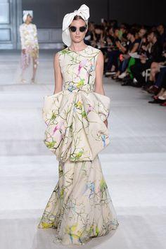 Giambattista Valli | Fall 2014 Couture Collection | Style.com.                 ~              PICTURE PERFECT❗️⭐️❤️⚠️⚠️❤️⭐️❗️➕ ‼️‼️‼️➕‼️
