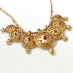 A beautiful necklace that effortlessly combines craft with grace. The seven circles, with each forming a medallion, are textured with granulation and wire work to bring alive the seven promises that are forged over fire. Jewelry Design Earrings, Gold Earrings Designs, Gold Jewellery Design, Gold Jewelry, Gold Necklaces, Necklace Designs, Diy Jewelry, Women Jewelry, Gold Mangalsutra Designs