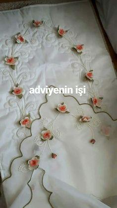 Embroidery Designs, Wreaths, Home Decor, Table Runners, Punto De Cruz, Dots, Decoration Home, Door Wreaths, Room Decor