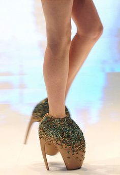 db2b7e079841 Image result for alexander mcqueen armadillo shoes for sale Armadillo, Alexander  Mcqueen, Armadillo Animal