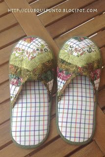 ¡Qué Punto!: Tutorial zapatillas How To Make Moccasins, How To Make Shoes, Patchwork Quilting, Sewing Tutorials, Sewing Crafts, Clothing Patterns, Sewing Patterns, Sewing Slippers, Craft Presents