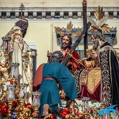 Misterio de la Trinidad. Sevilla. Religious Art, Rey, Trinidad, Incense, Lent, Death, Drive Way, Lds Art, Hymn Art
