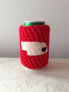 University of Nebraska, Nebraska Cornhuskers | Lincoln, Nebraska Crochet Beer Coozie, Coffee Cup Cozy, Coffee Sleeve by Maroozi by Maroozi on Etsy