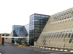 OSG GTC様    ■構造:鉄骨造  ■地上2階  ■設計:株式会社 オノコム  ■概要:環境にやさしい建物をコンセプトとして、壁面緑化による省エネシステム  /雨水を再利用する貯水システム/  そして太陽光パネルを最大限に生かした省エネシステムはNEDO(新エネルギー産  業技術総合開発機構)からの補助金も得ています。  ※経産省中部経済産業局長賞を受賞しました。