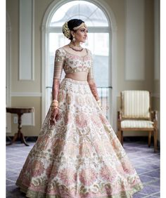 Looking for Bridal Lehenga for your wedding ? Dulhaniyaa curated the list of Best Bridal Wear Store with variety of Bridal Lehenga with their prices Designer Bridal Lehenga, Wedding Lehenga Designs, Wedding Lehnga, Bridal Lehenga Choli, Wedding Bride, Wedding Mandap, Wedding Stage, Wedding Receptions, Bride Groom