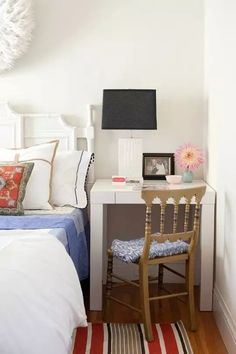 Desk ideas for small apartments cool desks spaces office apartment furniture wood stylish bedroom home decor . Small Bedroom Hacks, Small Space Bedroom, Small Master Bedroom, Small Room Design, Master Bedroom Design, Small Rooms, Small Apartments, Small Spaces, Bed Design
