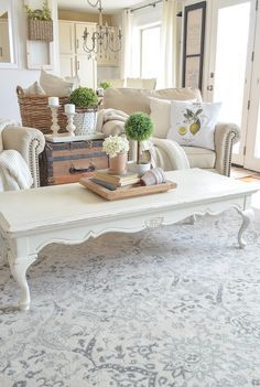44 Fabulous French Country Rug To Apply Asap. One of the most beautiful looks in decor is the country decor. The French country. French Country Rug, French Country Living Room, French Country Decorating, French Decor, French Style, Teal Coffee Tables, Decorating Coffee Tables, Chic Living Room, Living Room Decor