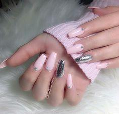 Enamorada de estas uñas •