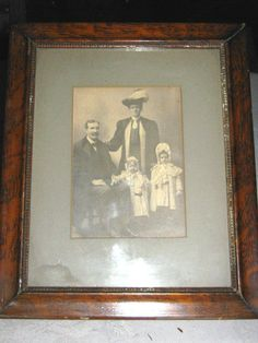 ANTIQUE VICTORIAN PHOTO WOOD FRAME MAN LADY FUR HAT DRESS BABY COUNTRY ART