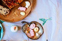 pasen- Paastafel geïnspireerd door Emily Quinton- http://www.mylucie.com- easter table- flatlay- table setting