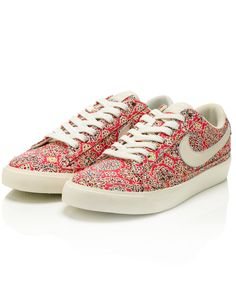 Helena's Party Blazer Low Shoes, Liberty Nike Autumn Collection