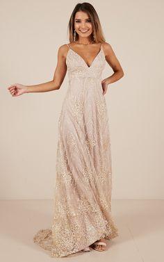 New fancy brunch outfit bridesmaid ideas Grad Dresses, Bridesmaid Dresses, Formal Dresses, Gold Ball Dresses, Boho Prom Dresses, Floral Prom Dress Long, Gold Formal Dress, Ladies Dresses, Dresses Dresses