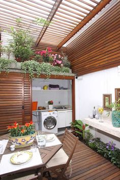 358 The exterior washings are quite common. Located in galleries, balconies, patios or terraces. Outdoor Laundry Area, Outside Laundry Room, Loft Kitchen, Patio Interior, Wooden Decks, Laundry Room Design, Minimalist Home, Outdoor Rooms, Home Renovation