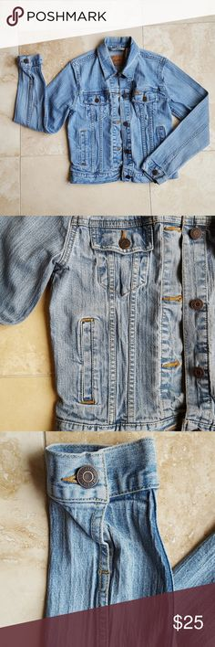 Levi's Jean Jacket This jacket is super comfy and not stiff at all for denim!! It does not run true to size, however. (Would probably run close to a medium) Levi's Jackets & Coats Jean Jackets
