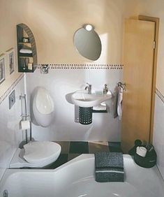 Malá koupelna Toilet, Sink, Bathroom, Home Decor, Bath Room, Homemade Home Decor, Vessel Sink, Sink Tops, Litter Box