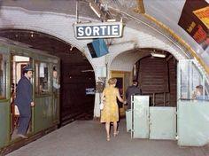 Métro, Paris, 1973.